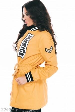 ISSA PLUS: Желтая женская парка из джинса с принтом на груди 2249_желтый - главное фото