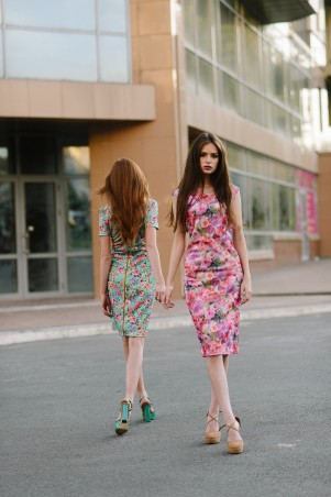 Lilo: Розовое платье футляр с молнией на спине 08046 - главное фото