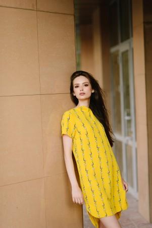Lilo: Желтое короткое платье прямого кроя в пеликаны 08019 - главное фото