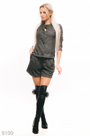 ISSA PLUS: Серый шерстяной костюм из пиджака на пуговках и шорт 9100_серый - главное фото