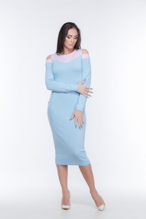 Marterina. Платье-футляр с открытыми плечами розово-голубое. Артикул: K05P50TR39