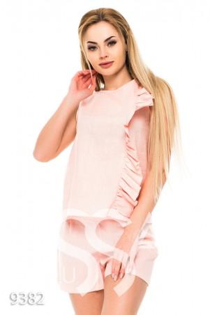ISSA PLUS. Розовый костюм без рукавов с шортами и рюшем сбоку. Артикул: 9382_розовый