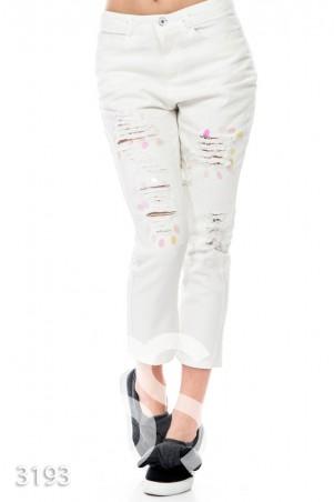 ISSA PLUS. Белые затертые джинсы с полупрозрачными крупными пайетками. Артикул: 3193_белый
