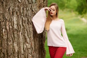 Ляпота. Блуза с расклешенными рукавами пудрового цвета. Артикул: 1061-1