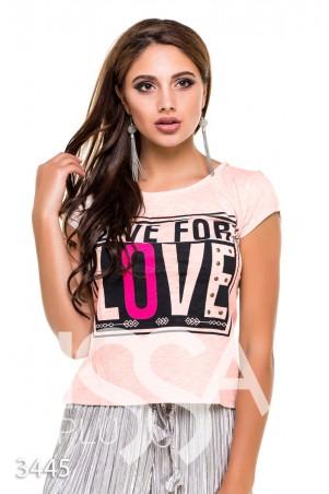 """ISSA PLUS: Персиковая футболка """"Живи для любви"""" с металлической фурнитурой 3445_персиковый - главное фото"""