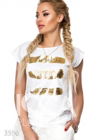 ISSA PLUS. Белая свободная майка с золотым принтом и черно-белыми надписями. Артикул: 3556_белый