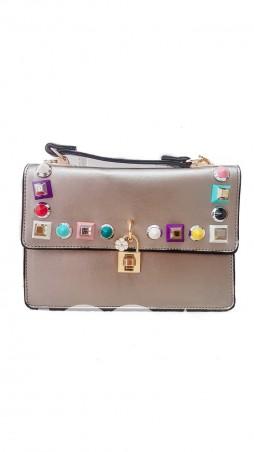 ISSA PLUS: Золотистая женская сумочка из эко-кожи с яркой фурнитурой и замочком AMG-A810_золотой - главное фото