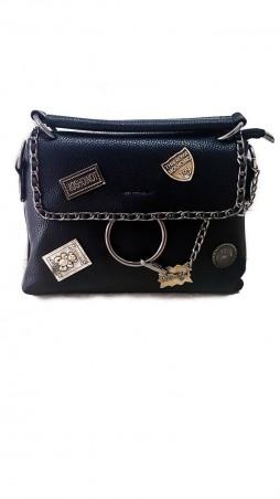 ISSA PLUS. Черная сумочка из фактурной эко-кожи с металлическими нашивками и цепочками. Артикул: AMG-A808_черный