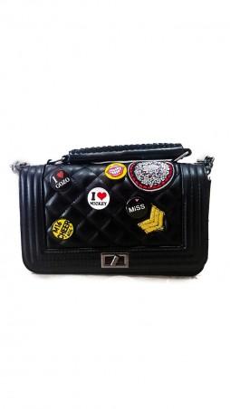 ISSA PLUS: Чернй клатч из прошитой эко-кожи с цветными нашивками AMG-A822_черный - главное фото