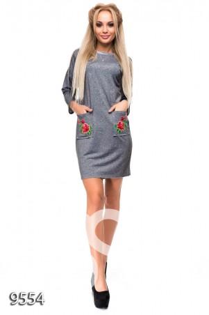 ISSA PLUS: Темно-серое мини-платье из двунити с вышивкой на карманах 9554_темно-серый - главное фото