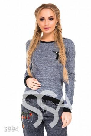 ISSA PLUS. Серый меланжевый батник с черными манжетами и блестящей нашивкой. Артикул: 3994_серый