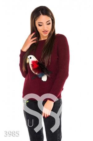 ISSA PLUS. Бордовый вязаный свитер с аппликацией птицы из меха и эко-кожи. Артикул: 3985_бордовый
