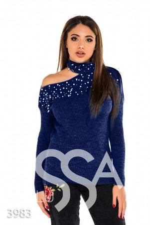ISSA PLUS. Синий вязаный свитер с вырезом на плече и бусинами. Артикул: 3983_синий