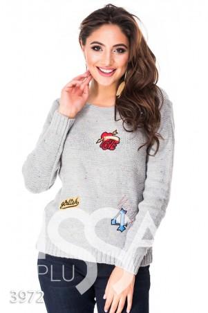 ISSA PLUS: Серый с цветными вкраплениями свитер в нашивках 3972_серый - главное фото