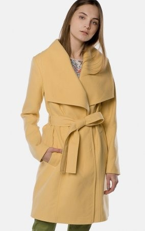 MR520 Women. Пальто. Артикул: MR 220 2539 0218 Yellow