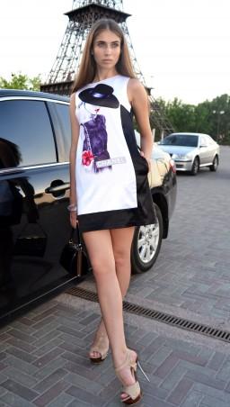 """TessDress: Платье с сублимацией """"Коко шанель"""" 1090 - главное фото"""