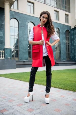 ISSA PLUS: Красный кардиган из неопрена без рукавов с крупными карманами 1024_красный - главное фото