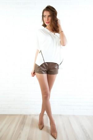ISSA PLUS: Кофейные короткие шорты из эко-кожи 312_коричневый - главное фото