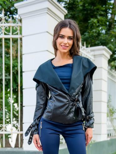 ISSA PLUS: Стильная куртка из глянцевой эко-кожи 1039_черный - главное фото