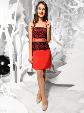 ISSA PLUS: Красное платье мини с гипюром и золотым поясом 1412_красный - главное фото