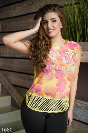 ISSA PLUS: Желтая шифоновая футболка со спинкой из вискозы и стразами 1680_желтый - главное фото