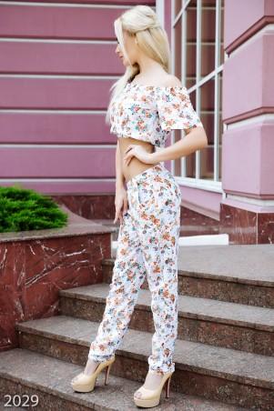 ISSA PLUS: Белый с узором костюм в восточном стиле с коротким топом и брюками 2029_белый - главное фото